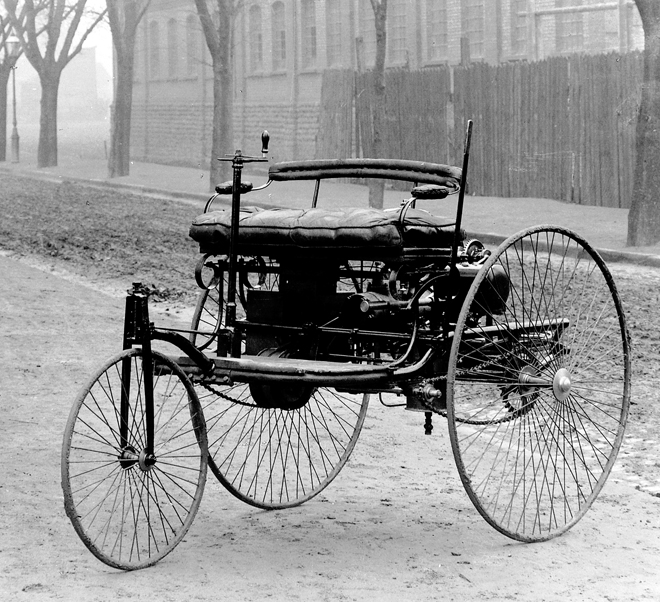 Inventions of first automobile go for Who invented the mercedes benz